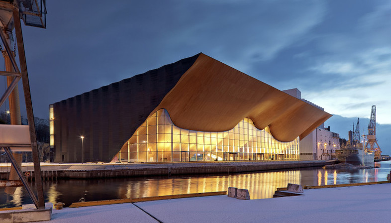 Mostra SUOMI SEVEN. Emerging architects from Finland.