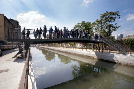 Milano Inaugurato ponte pedonale sui navigli di Lombardini 22
