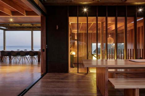 Castle Rock Beach House di Herbst Architects