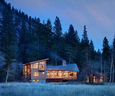 Leggerezza in Washington State Mazama House di Finne Architects