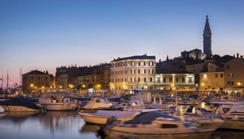 3lhd arte e architettura hotel adriatic rovigno croazia for Alberghi rovigno croazia