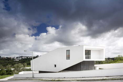Contaminar Arquitectos photos by Fernando Guerra FG+SG architecture photography