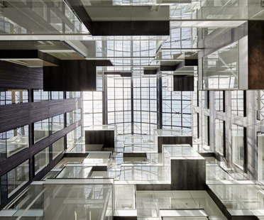 Londra Studio RHE trasforma edificio storico in Alphabeta