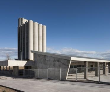 Stazione dei bus di Trujillo: un'ode al cemento