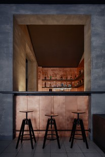 Copper Bar di Zavoral Architekt