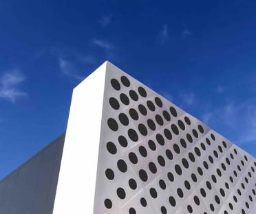 Piuarch landmark urbano per centro commerciale Arezzo