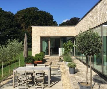 Mike Keys e Anne Claxton Hill House, una residenza di raffinata eleganza a Bath