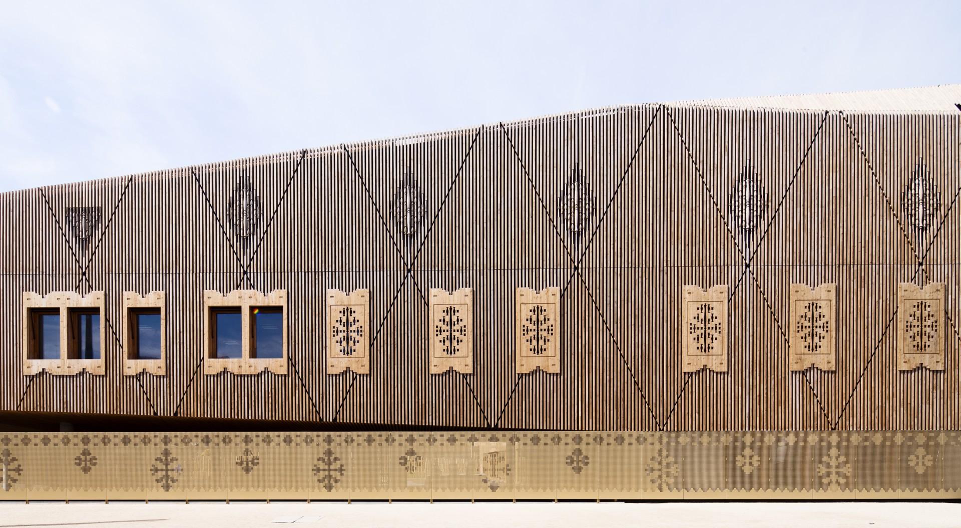 Libro: Dans le pli d'un drapé - In the fold of a drap. Atelier d'architecture Vincent Parreira.