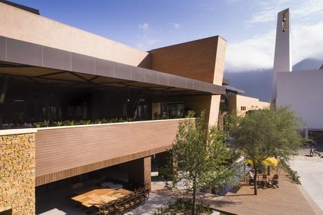Carranza Ruiz Arquitectura Centro Commerciale Pueblo Serena  Monterrey Messico