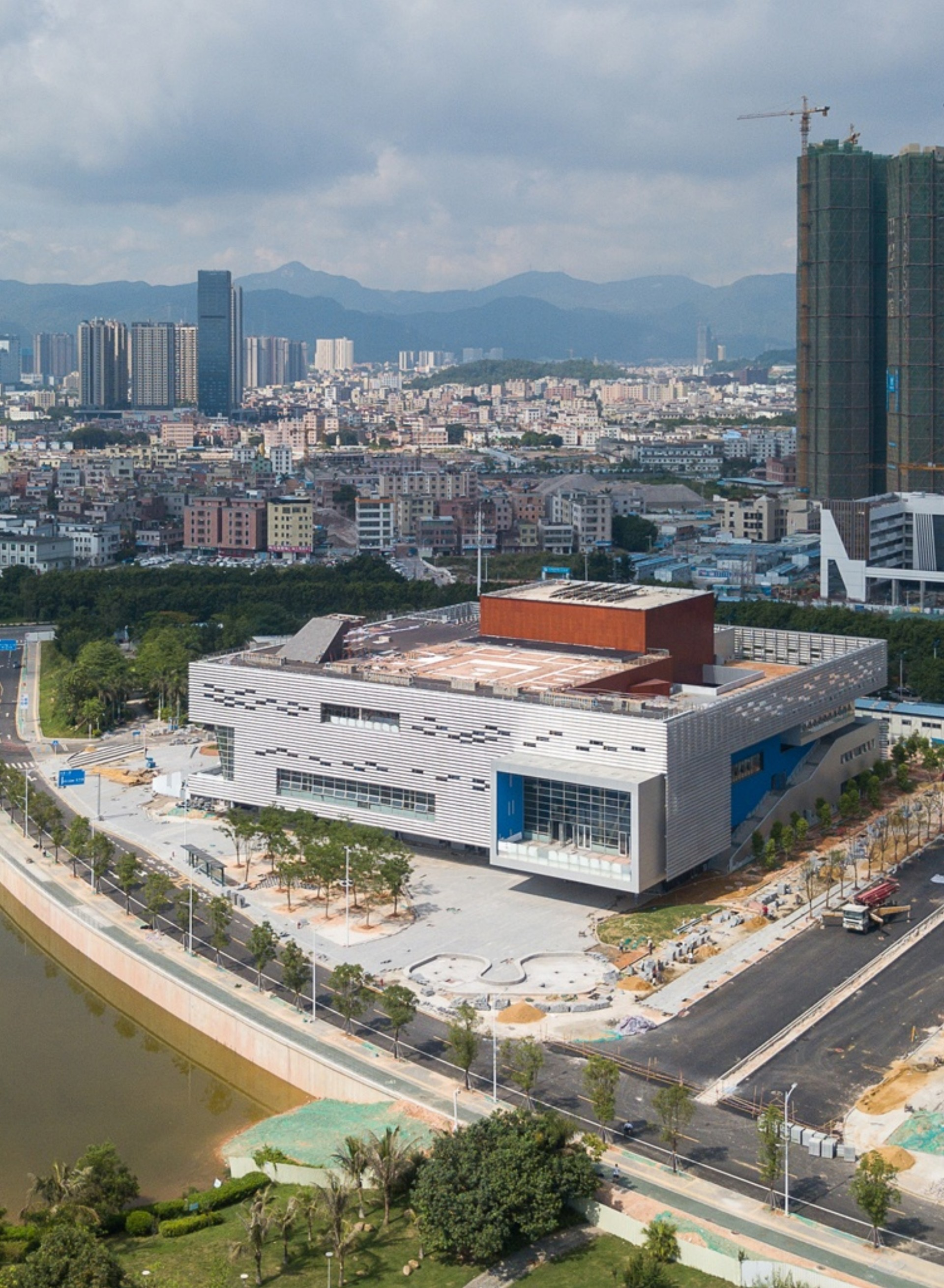 OPEN Architecture il Pingshan Performing Arts Center di Shenzhen