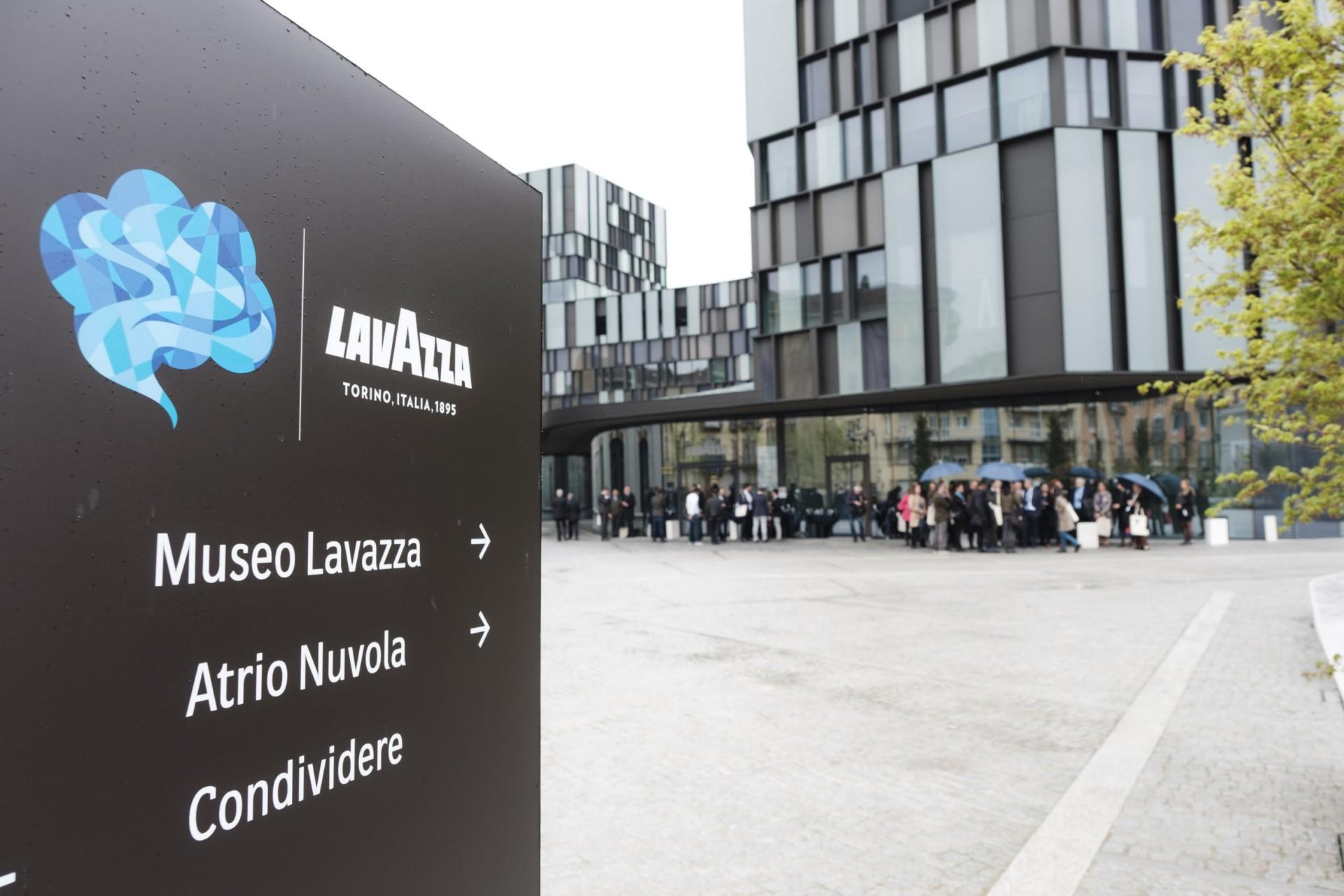 Cino Zucchi, Ferran Adrià e Federico Zanasi, Dante Ferretti e Ralph Appelbaum per Nuvola Lavazza Torino