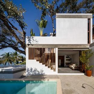 Main Office progetta una casa immersa nel paesaggio tropicale in Messico