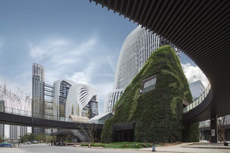 In completamento il Nanjing Zendai Himalayas Center di MAD Architects