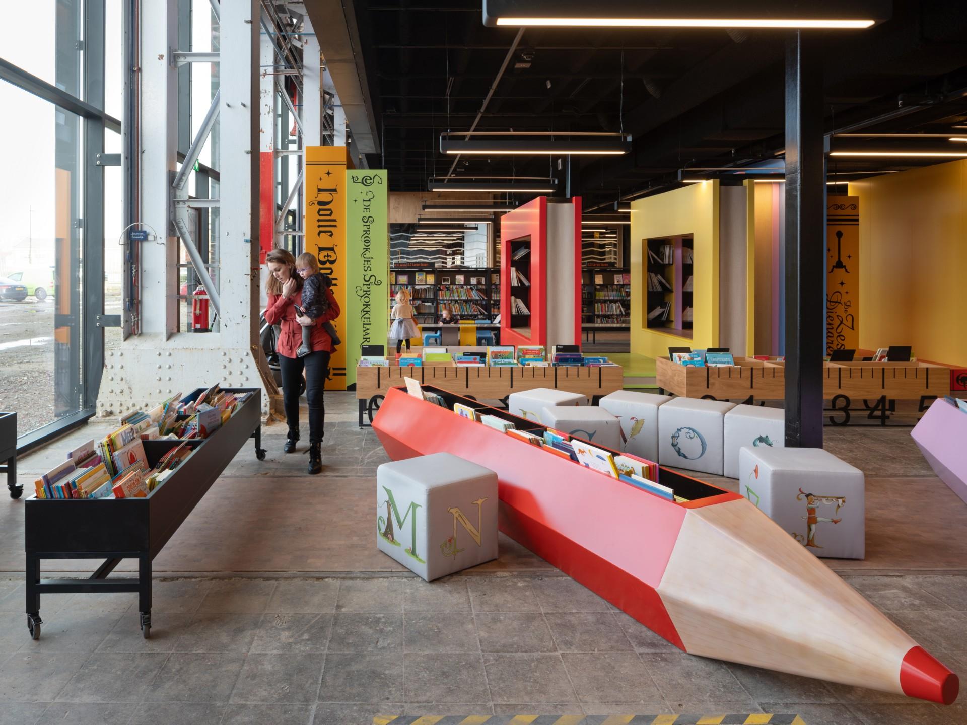 Migliori Libri Interior Design mecanoo interior design della lochal library a tilburg