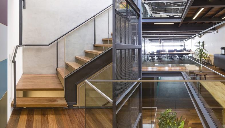 Reinach Mendonça Arquitetos e SuperLimão Studio per Girassol Building San Paolo Brasile