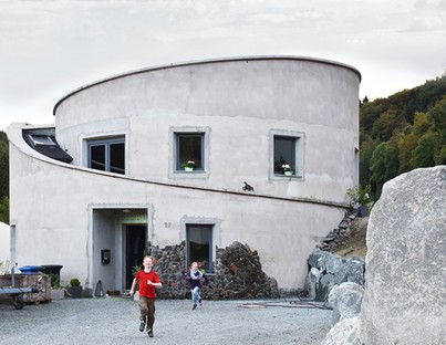 Christoph Hesse Architects Villa F una casa off-the-grid