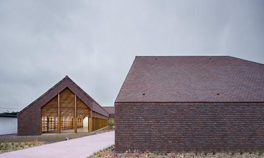 Lemoal Lemoal Architectes Polo sociale e culturale Gonzague Saint Bris a Cabourg