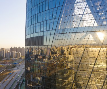 Zaha Hadid Architects completato il Leeza SOHO a Pechino