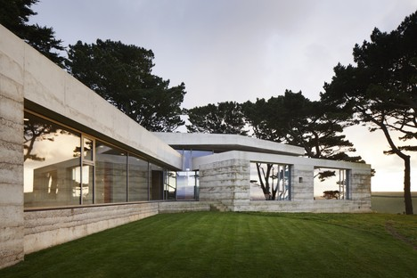 Atelier Peter Zumthor con Mole Architects Secular Retreat nel Devon