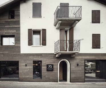 Lissoni Associati 75 Café and Lounge, Wine Bar a Ponte di Legno Brescia