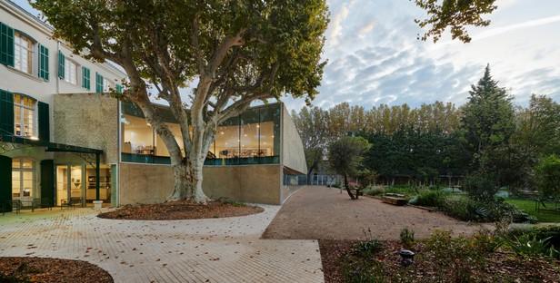 Dominique Coulon & Associés Mediateca e parco pubblico a Pélissanne