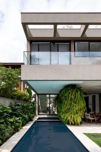 Rua 141 & Zalc Arquitetura Casa NK una casa rifugio sulla costa di San Paolo