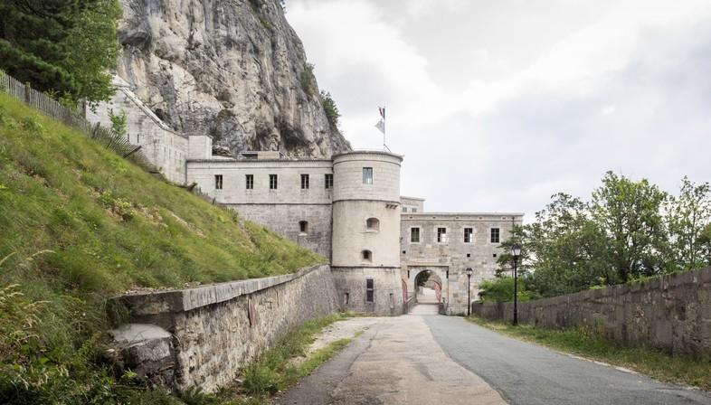atelierpng rivalorizza il Fort L'Écluse di Léaz