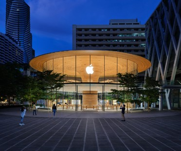 Foster + Partners Apple Central World un nuovo iconico store per Bangkok