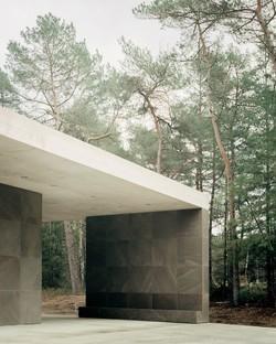 KAAN Architecten Loenen Pavilion un edificio commemorativo in armonia con la natura