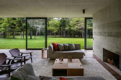 UNA arquitetos Mantiqueira House progetto residenziale a São Bento do Sapucaí