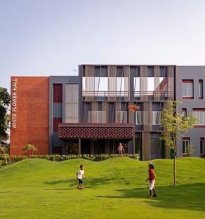 Envisage progetta White Flower Hall dormitorio femminile per la Mann School, Alipur New Delhi