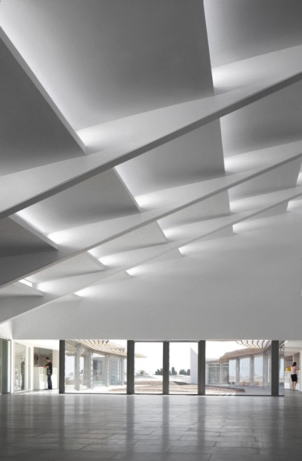 Ferrater ayala nuova sede gruppo azahar floornature - Interior design colleges in atlanta ga ...