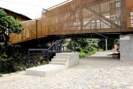 Un ponte, una scuola, un parco giochi e un centro sociale