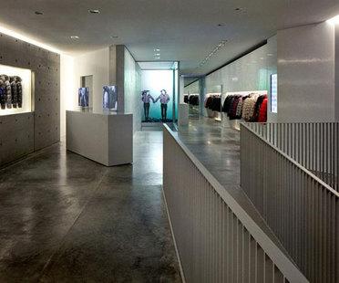 TADAO ANDO, boutique e showroom DUVETICA a MILANO