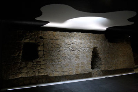 Oscar Tusquets Blanca, Stazioni dell'arte Toledo, Napoli