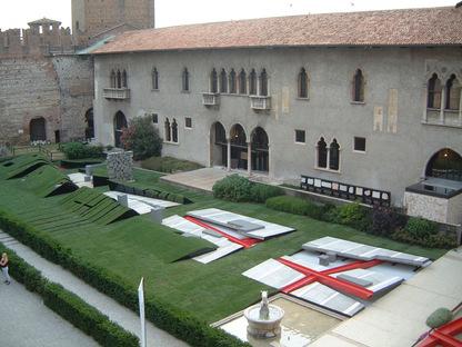 Il Giardino dei Passi Perduti - Installazione a Castelvecchio Verona