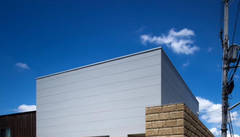 Fujiwarramuro architects edificio residenziale a minoh for Architettura tradizionale giapponese