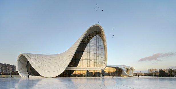 L'Heydar Aliyev Center di Zaha Hadid vince il Design of the year 2014
