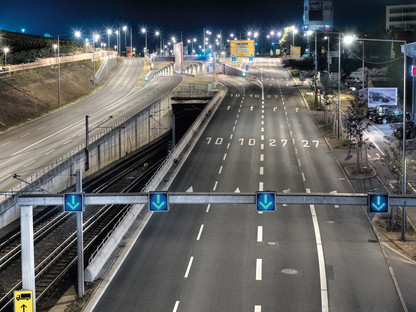 Jürgen Pollak: Stuttgart — Night. Pragsattel