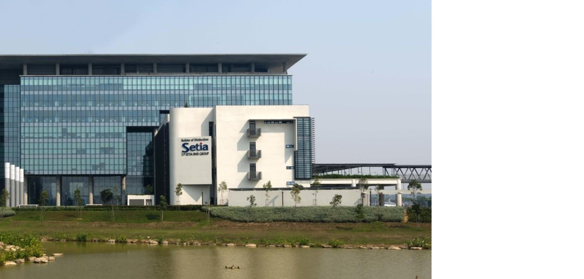 S P Setia headquarters di Rafiq Azam a Setia Alam in Malesia