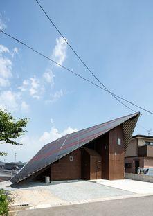 La Rain Shelter House di y+M design a Yanogo (Giappone)