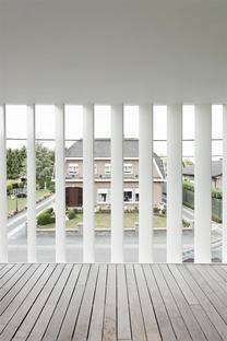 House K di Graux & Baeyens, casa patio a Buggenhout (Belgio)