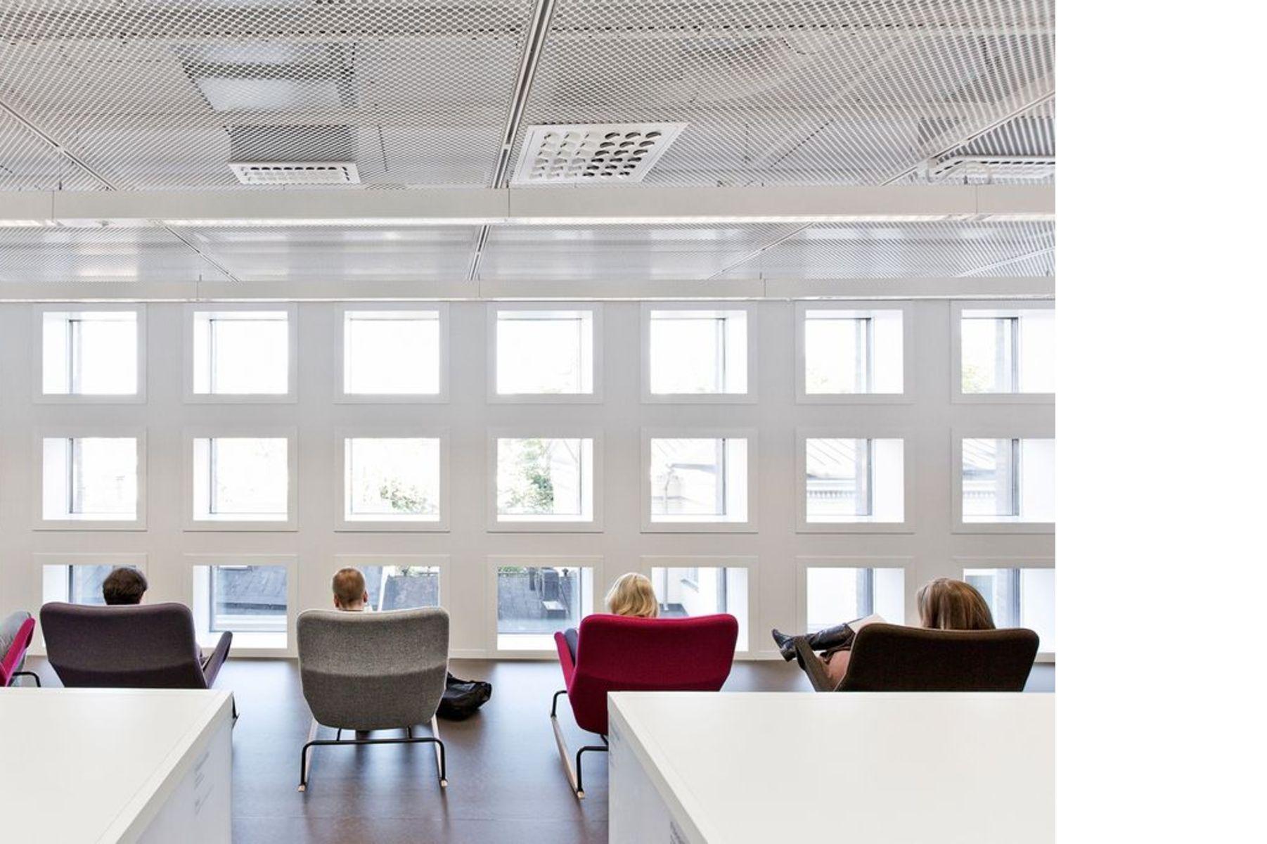 Anttinen Oiva e la Helsinki University Main Library (Kaisa house)