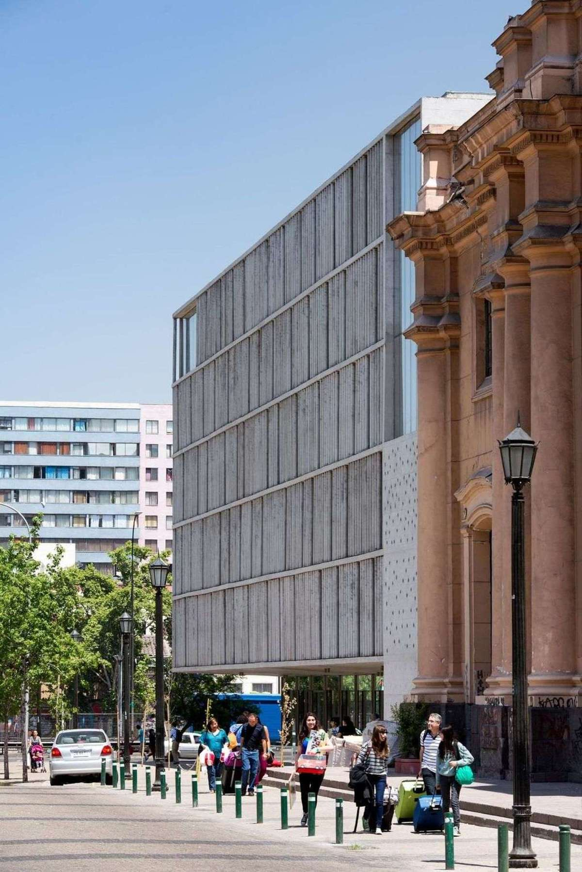 Undurraga Deves Arquitectos e gli uffici Santa Ana a Santiago