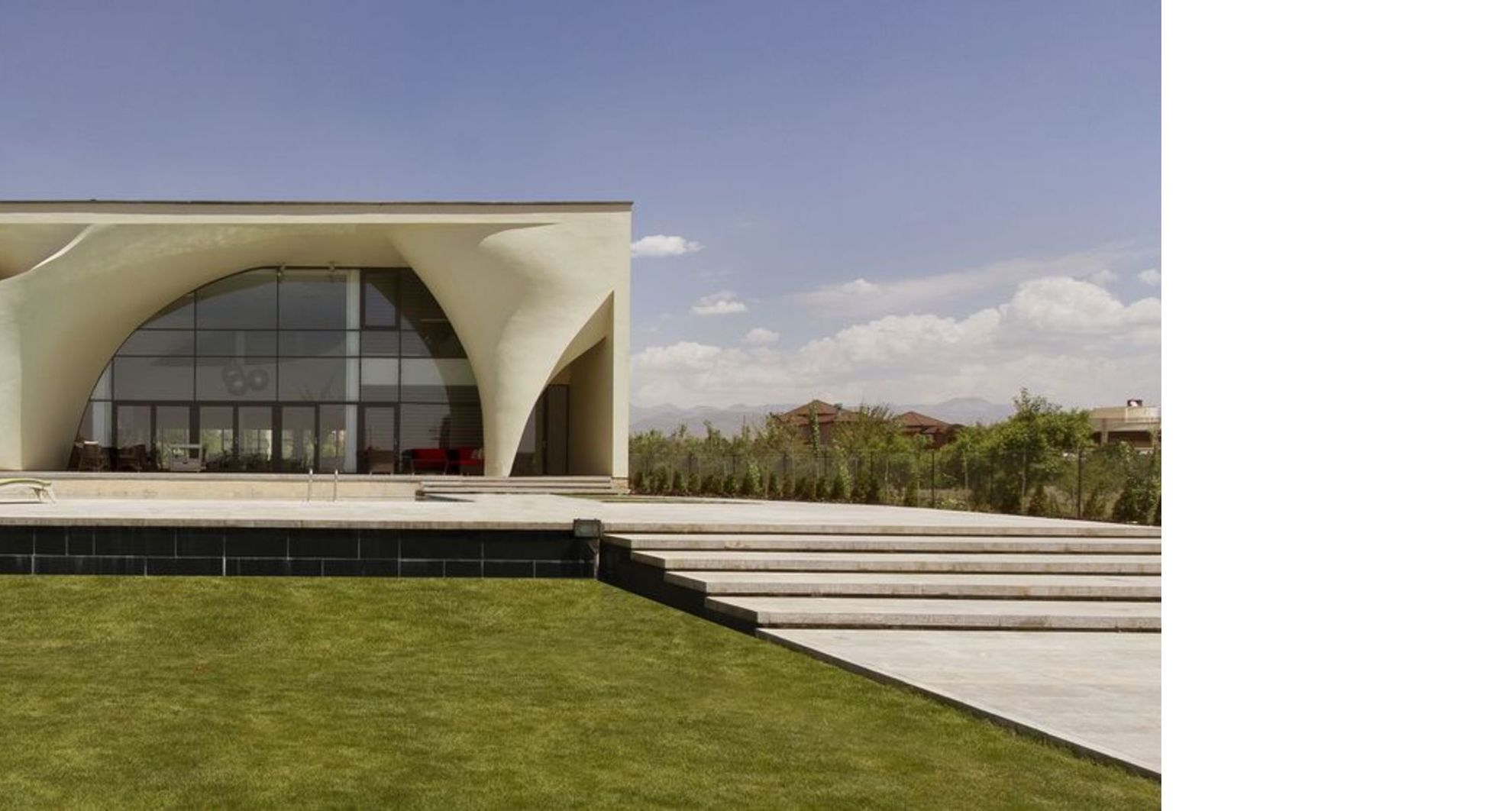 Kouhsar Villa di Nextoffice: recupero casa a Kordan Iran