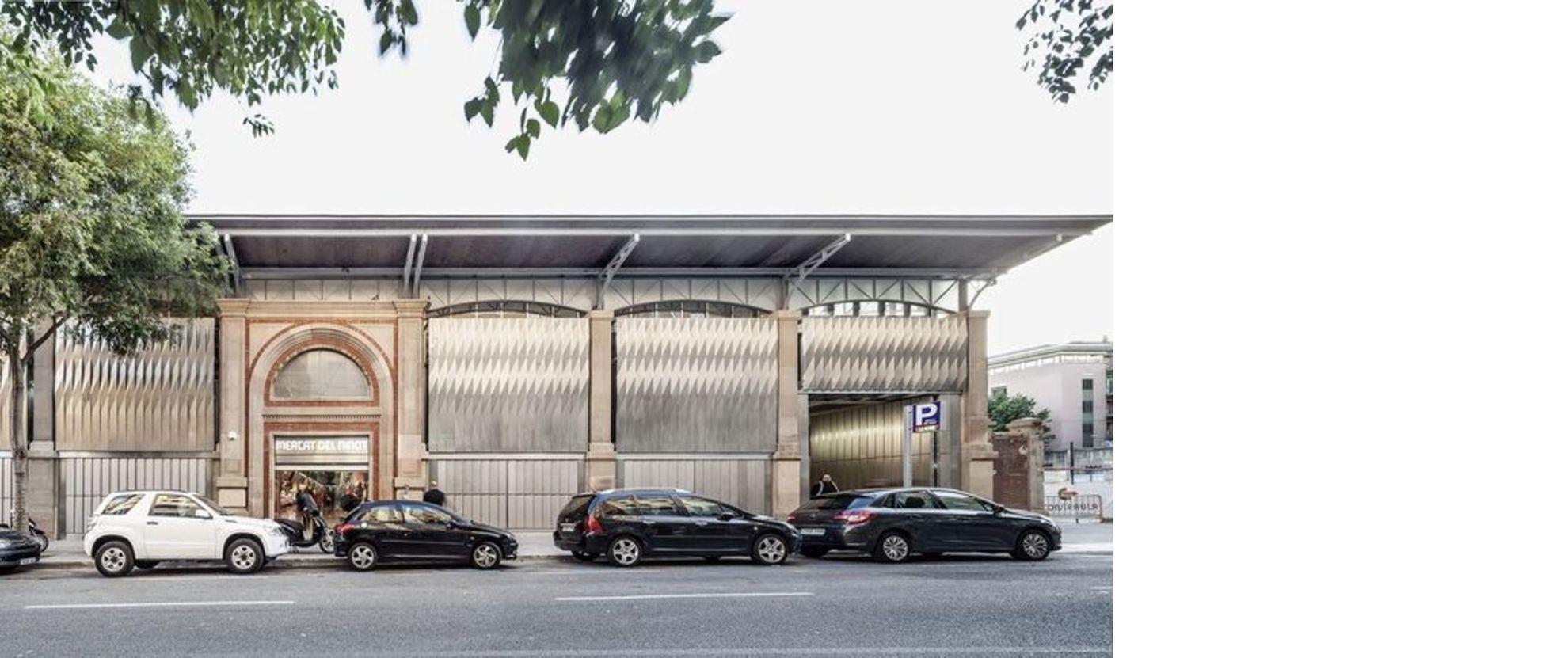 Mateo Arquitectura riqualifica mercato del Ninot Barcellona