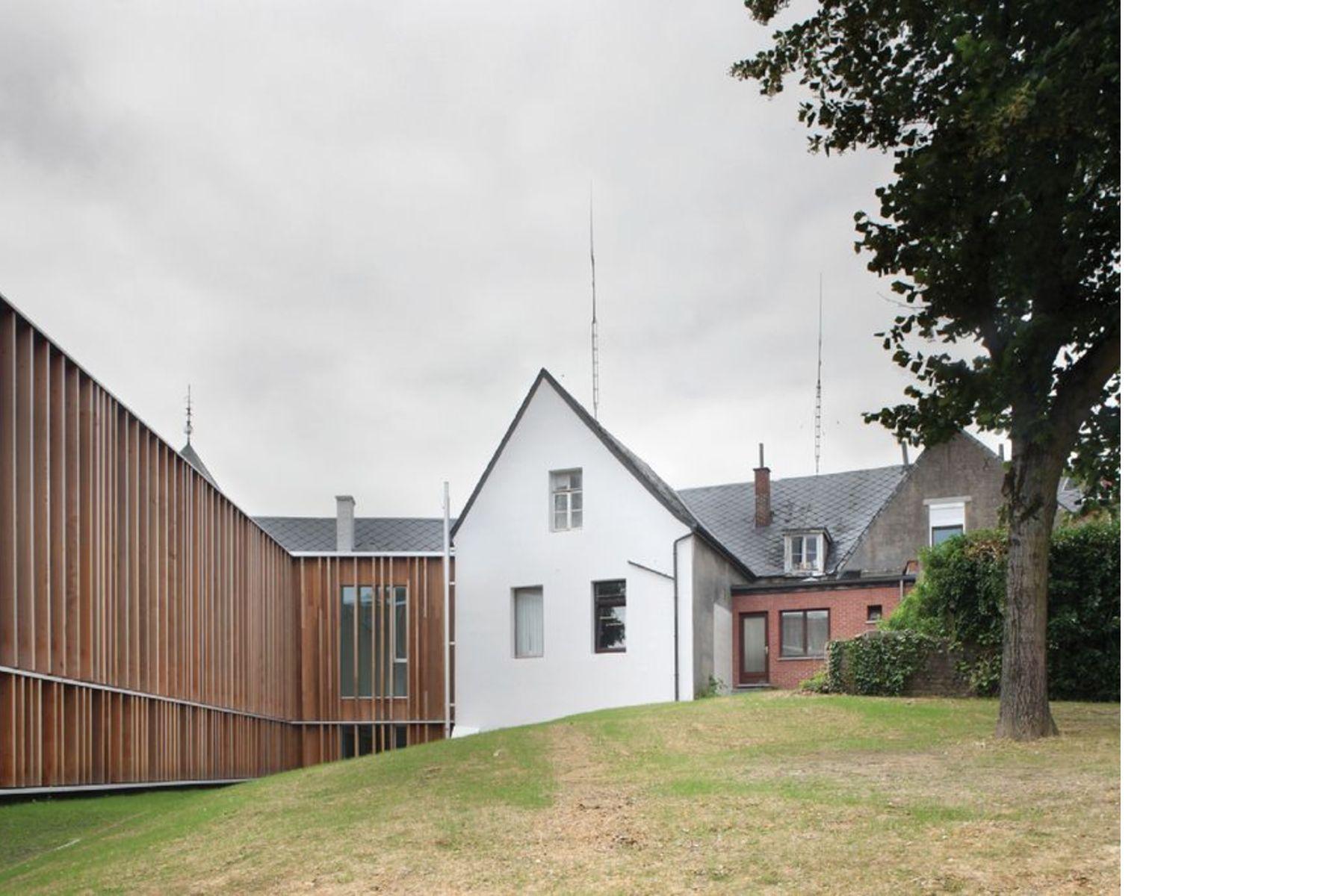 V+ e Bouwtechniek: municipio Montigny-Le-Tilleul