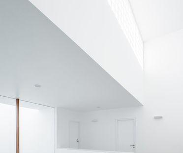 Cota Paredes Arquitectos: Casa V a Guadalajara (Messico)