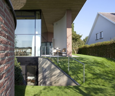 Lens°Ass Architects e la House V a Overpelt (Belgio)