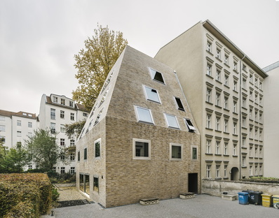 Barkow Leibinger: Apartment House Prenzlauer Berg Berlino